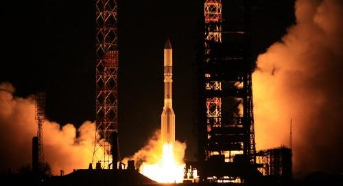 """""""سيبس إكس"""" تطلق صاروخ في أول رحلة تجارية"""