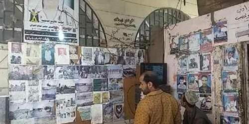 مقهى بردفان يتحول لمعرضٍ تراثي يروي تاريخ الأجداد (تقرير)