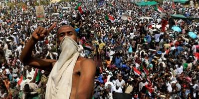 """القوى السودانية ترحب برحيل """"بن عوف"""" وتعيين مجلس للمرحلة الانتقالية"""