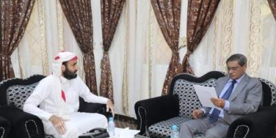 البحسني يبحث إجراءات تطوير منفذ الوديعة البري مع مدير الميناء