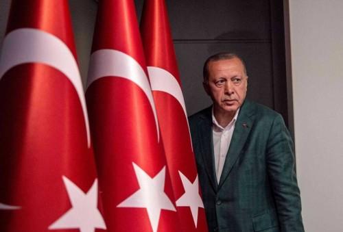 أمجد طه: أردوغان يستغل طيران التركية لدعم إرهاب طرابلس