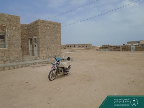 البرنامج السعودي يدرس تجهيز المركز الصحي بجزيرة الفشت في حجة