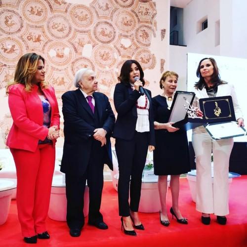 """النجمة هند صبري تفوز بجائزة """" فاطمة الفهرية """" من تونس (صور)"""