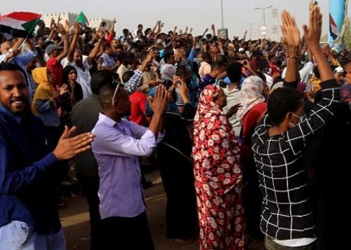 المجلس الانتقالي بالسودان يؤكد إلتزامه بتسليم السلطة للشعب