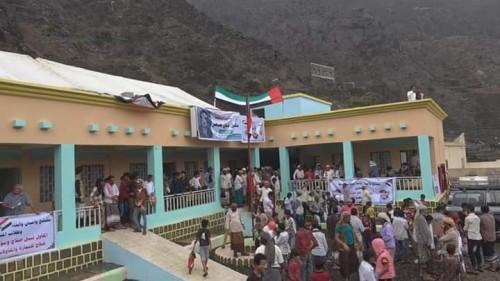 """بتمويل إماراتي.. افتتاح مدرسة """"الشهيد بلليل طاهر"""" في أبين (صور)"""