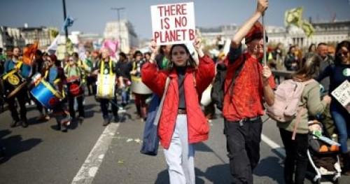متظاهرون بريطانيون يطالبون الحكومة بالتحرك لحل أزمة التغيرات المناخية