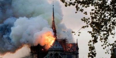المدعي العام في باريس يبدأ التحقيق في حريق الكاتدرائية
