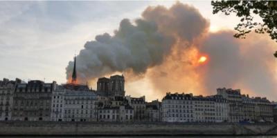 الرئيس الفرنسي يتوجه لموقع كاتدرائية نوتردام بعد إلغاء خطابه