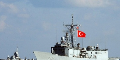 تركيا تجري عملية عسكرية مريبة بالقرب من سواحل ليبيا
