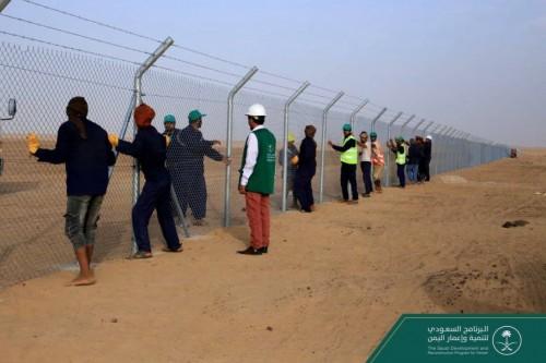 البرنامج السعودي: استمرار أعمال التسوير لمشروع مطار مأرب
