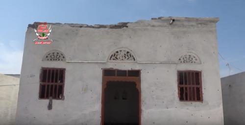 مليشيات الحوثي تقصف منازل المواطنين بالتحيتا (فيديو)