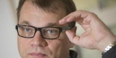 رئيس وزراء فنلندا يعلن تنحيه عن منصبه لحزب الوسط