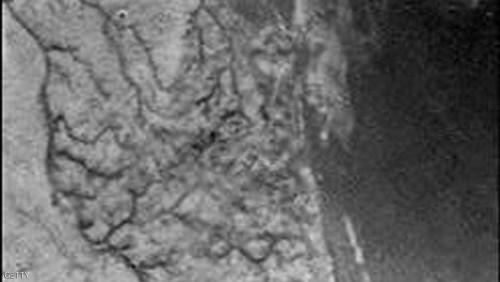"""""""تيتان"""" وأغرب ملامح المجموعة الشمسية .. بحيرات من الميثان السائل"""