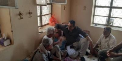 رئيس انتقالي لحج يزور عبدالكريم النامس للاطمئنان على صحته