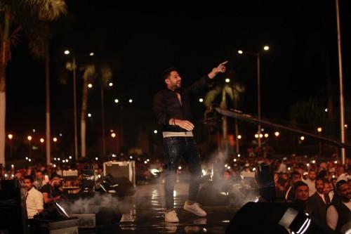 محمد حماقي يتألق بحفله الأخير في جامعة القاهرة (فيديو)