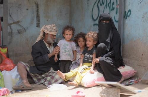 """شياطين """"الإنسانية المزيفة"""".. 96 منظمة تسرق 2.6 مليار دولار من مساعدات اليمنيين"""