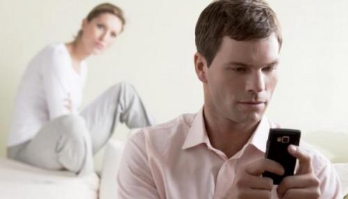 دراسة حديثة: ملامح الوجه تفضح الرجال الخائنين