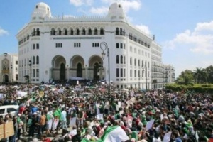 العمال الجزائريين: لا صحة لاستقالة الأمين العام للإتحاد