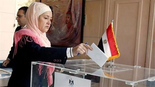 المصريون بالخارج يدلون بأصواتهم في الاستفتاء على التعديلات الدستورية