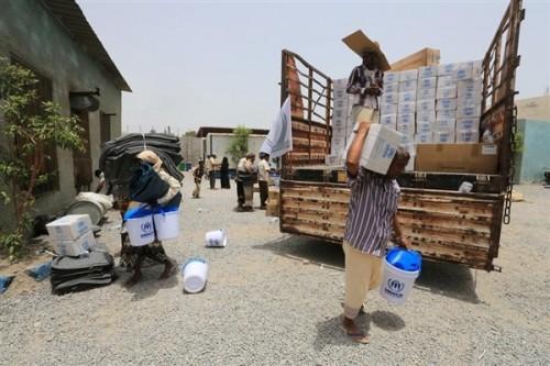 تفاصيل جديدة في نهب المليشيات الحوثية للمساعدات الإنسانية بإب