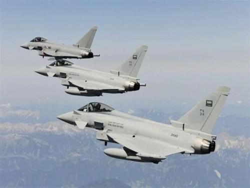 11 غارة من مقاتلات التحالف على مواقع الحوثي في مأرب وإب