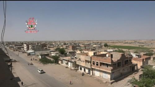 قصف عنيف من مليشيا الحوثي لمنازل المواطنين بحيس