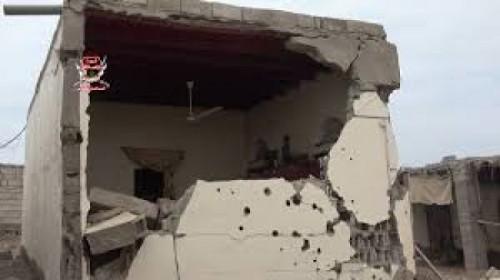 حصار وتشريد وتفجير.. ثلاثية جرائم الحوثي التي لا تنتهي (ملف)