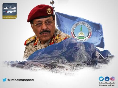 إنهاء الانقلاب الحوثي مستحيل في ظل بقاء الأحمر وأذرعه