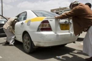 تخبط وتناقض حوثي حول أزمة المشتقات النفطية