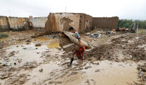 إنقاذ 200 مواطن عراقي غمرت منازلهم السيول شمالي البصرة