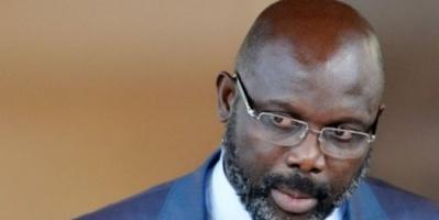 الثعابين تجبر رئيس ليبيريا على مغادرة مكتبه