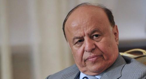 """الوزير والمستشار.. """"المواجهة مع الحوثي"""" تُظهر خلافات في معسكر الشرعية"""