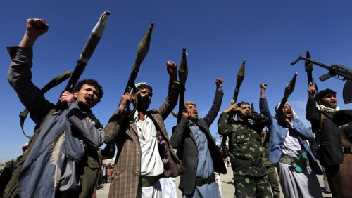 حرق لوحات وتصفية حياة.. مثقفون في جحيم الطائفية الحوثية