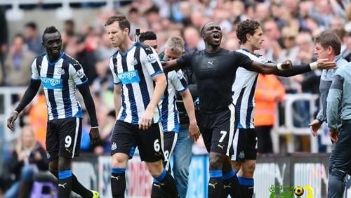 نيوكاسل يونايتد يفوز على ساوثهامبتون 3ـ1 في الدوري الإنجليزي
