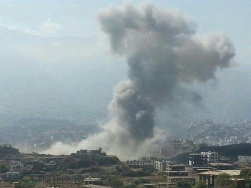 مليشيات الحوثي ومرتزقة الإخوان يستهدفون شرق تعـز بالقذائف