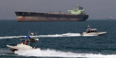 واشنطن تصفر توريد النفط الإيراني