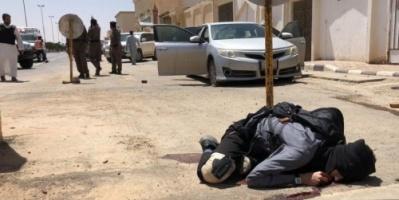 """السعوديون يحتفون بـ """"المطيري"""" المتصدي  لهجوم الزلفى"""