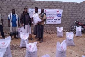 تدشين مشروع توزيع لحوم الأضاحي في مديرية المسيلة بالمهرة (صور)