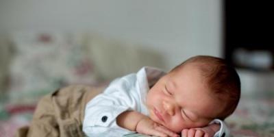 دراسة تحذر: تزايد معدلات وفاة الرضع بسبب ممارسات النوم غير الآمنة