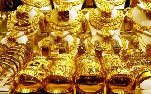 أسعار الذهب تشهد تراجعًا لتسجل هذا الرقم