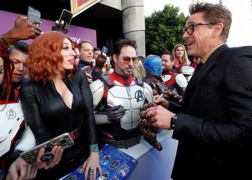 بالصور.. نجوم Avengers: Endgame يتألقوا بالعرض الخاص للفيلم