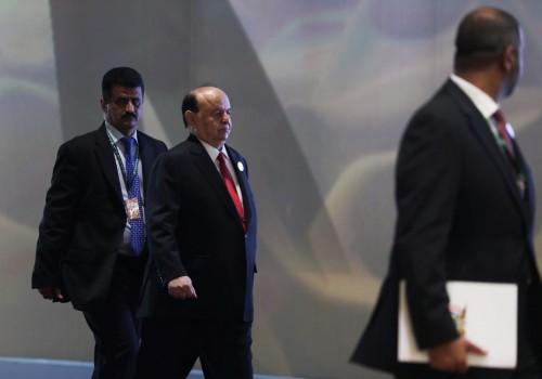 """""""وزراء الطوارئ"""".. هل تهرب حكومة هادي من فضائح فساد """"الإخوان""""؟"""
