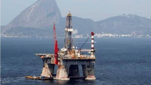 النفط يتراجع بعد بلوغه 75 دولارًا للبرميل
