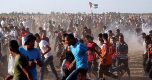 """فلسطينيون يشاركون في جمعة """" الوحدة الوطنية وإنهاء الانقسام """""""