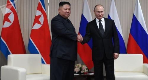 اليابان تؤيد حوار بوتين مع كيم جونغ بشأن نزع السلاح النووي