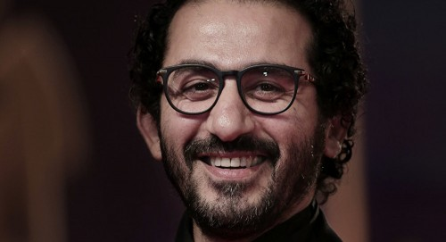 أحمد حلمي يطلب من جمهوره الدعاء لشريف مدكور