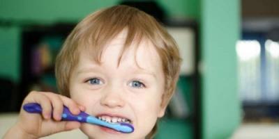 دراسة حديثة: 3 عوامل بيئية وراء تسوس أسنان الأطفال