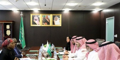 محمد آل جابر يلتقي ممثلي اليونيسيف في الرياض
