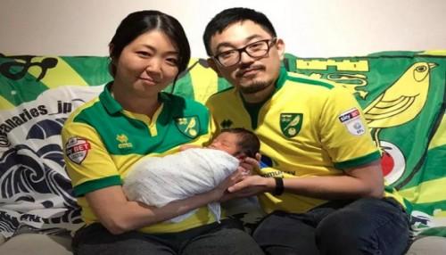 مولود ياباني يحمل اسم مدرب نورويتش بعد العودة للبريمييرليج