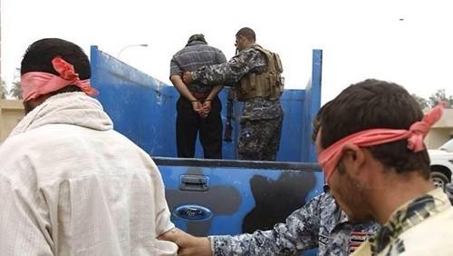"""الاستخبارات العراقية: القبض على إرهابي تابع لـ""""تنظيم داعش"""" بمدينة الموصل"""